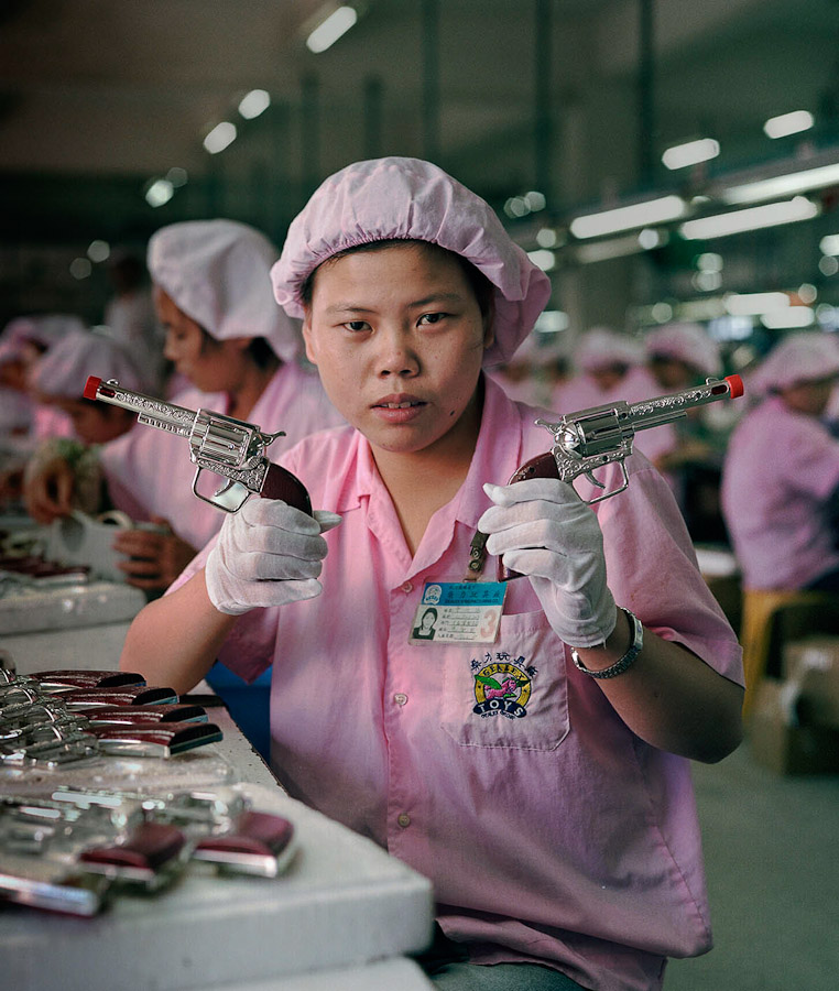 A-gallery-showing-Chinese-factory-workers-and-the-toys-they-make23