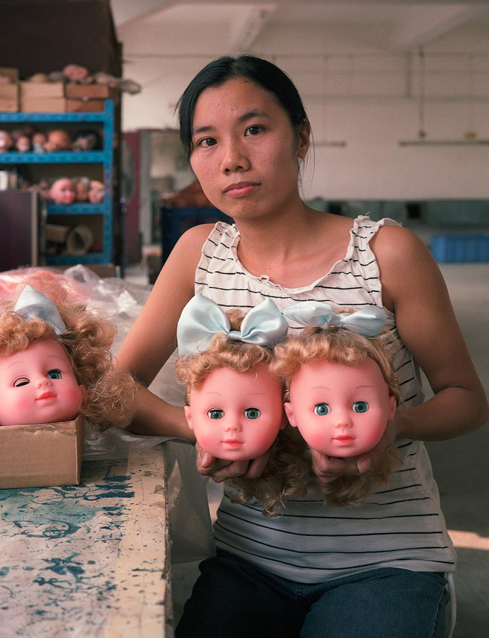 A-gallery-showing-Chinese-factory-workers-and-the-toys-they-make5