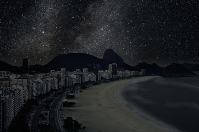 thierry-cohen-city-after-dark-rio-de-janeiro-ipanema-beach-at-night