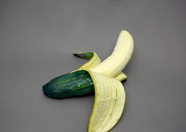 Its-not-what-it-seems-Hikaru-Cho-painted-food-2