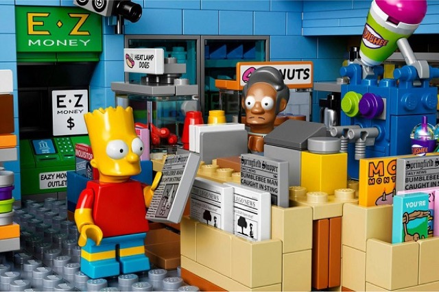 The-Kwik-E-Mart-From-The-Simpsons-Lego_2