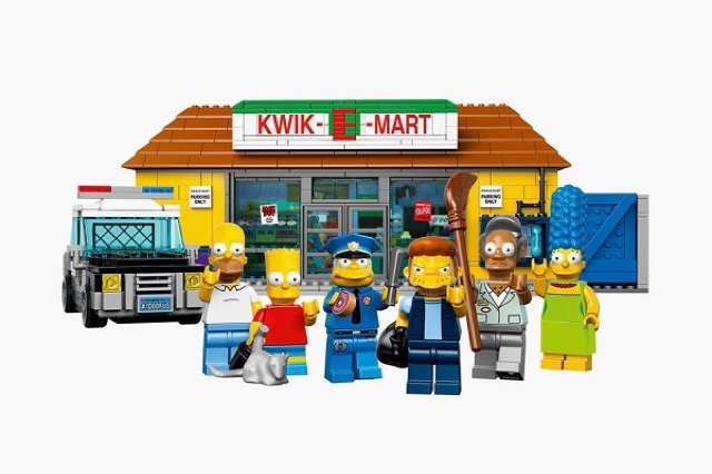 The-Kwik-E-Mart-From-The-Simpsons-Lego_4